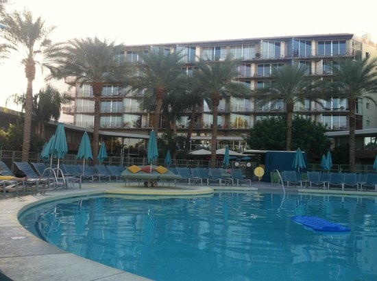Hotel Valley Ho : Pool deck at Valley Ho