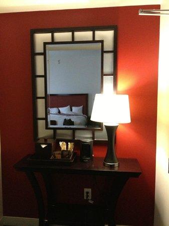 Courtyard Atlanta Downtown: hotel room
