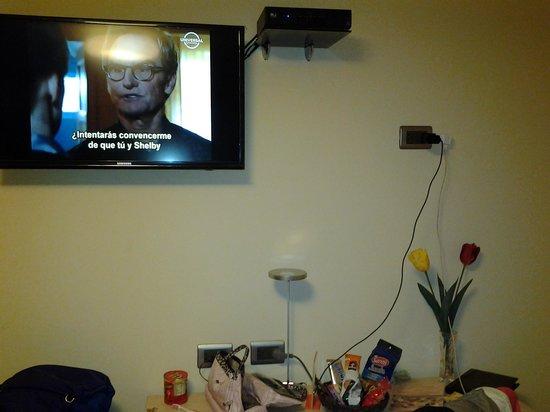 SM Hotel & Business: televisão tela plana e tv a cabo.