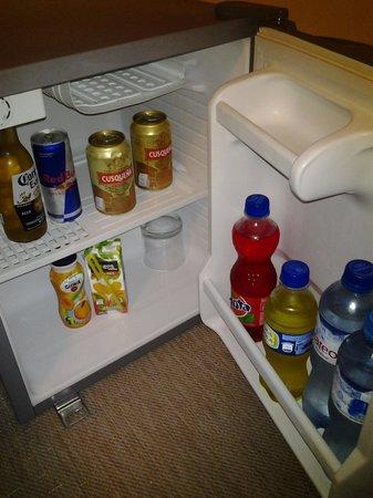 SM Hotel & Business: frigobar abastecido