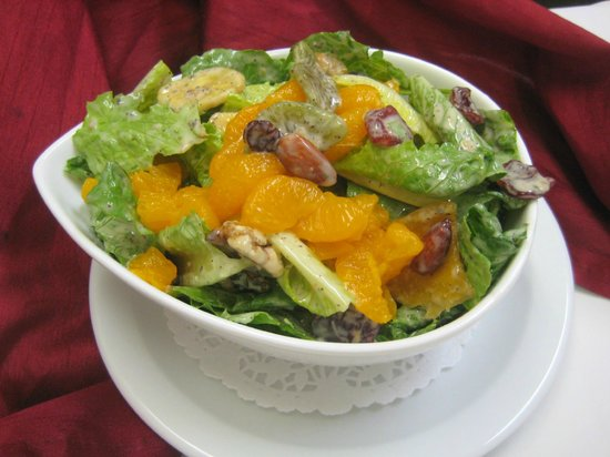 St-L: Salad with mandarines and mixed nuts