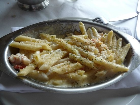 The Brown Dog Cafe & Wine Bar: mmmmmmmmmm lobster mac and cheese