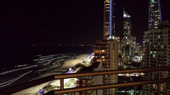 BreakFree Imperial Surf : Night time view of Main Beach Surfers Paradise
