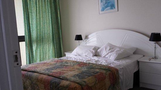 BreakFree Imperial Surf: Main bedroom