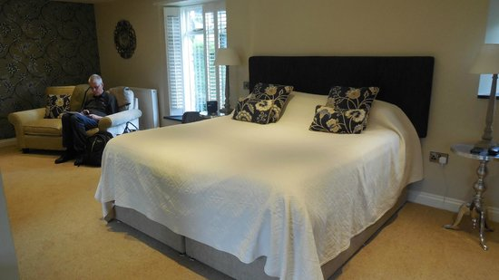 The Old Rectory Hotel : Bed and sitting area B