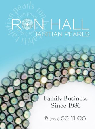 Ron Hall Tahitian Pearls: Sign located at cruise ship dock with hostess and courtesy shuttle