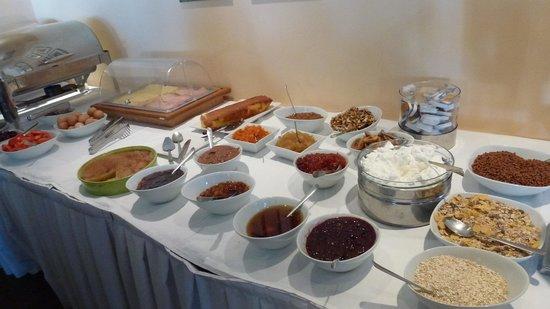 Castello Antico Beach Hotel: breakfast buffet