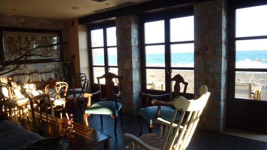 Castello Antico Beach Hotel: living room