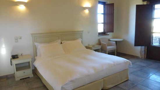 Castello Antico Beach Hotel: bedroom a