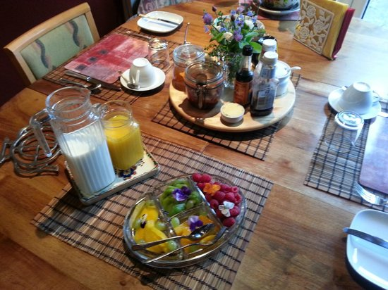 Bed & Breakfast at Shaw Lodge: More Breakfast