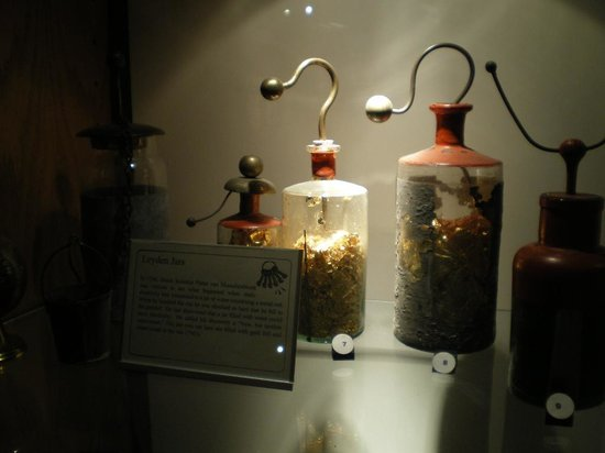 Spark Museum of Electrical Invention: Leyden jars