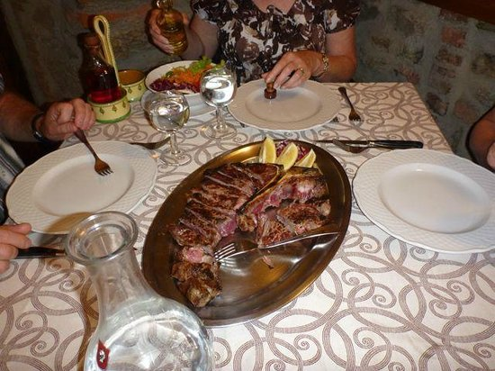 Trattoria Dardano : Bistecca fiorentina (Tuscan steak)