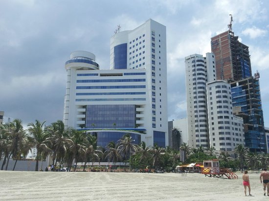 Hotel Arena Blanca: hotel visto da praia