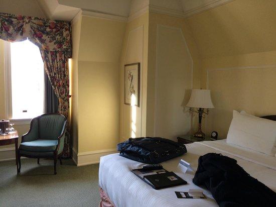 The Fairmont Empress: looking from doorway, across bed to window