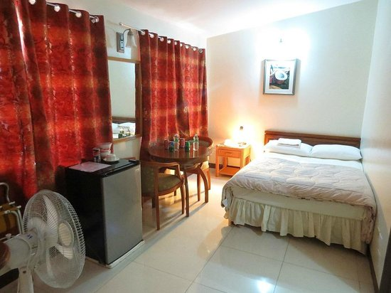 Sea Breeze Hotel: Single Bedroom