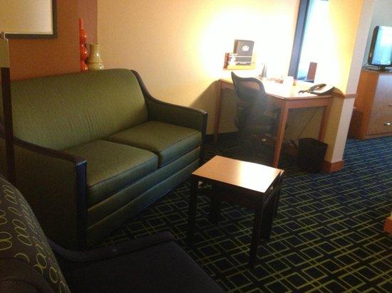 Fairfield Inn & Suites Montgomery-EastChase Parkway: Sofa bed