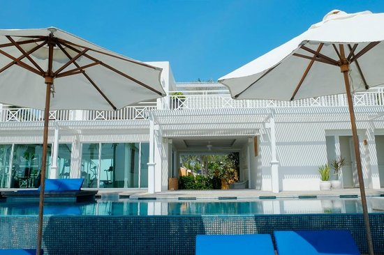 NishaVille Resort : THE INFINITY POOL