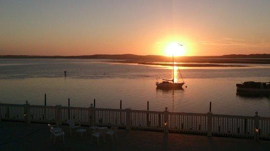 Inn at Morro Bay: Sun set out side room 420