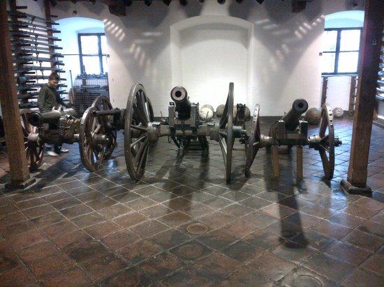 Landeszeughaus: 大砲群