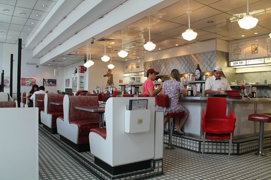 Johnny Rocket's : interior