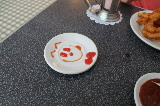 Johnny Rocket's : ketchup smiley