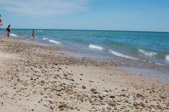 Nauset Beach: At low tide, it's a rock hunter's dream come true.