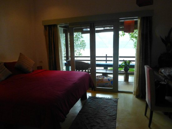 Ock Pop Tok Villa : View of Hmong room and balcony overlooking Mekong