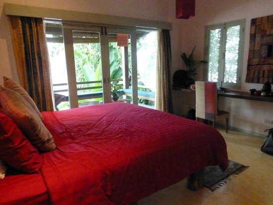 Ock Pop Tok Villa : Hmong Room and balcony