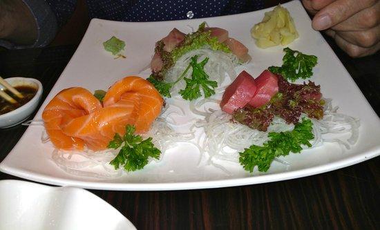 Green Tea House: sashimi platter