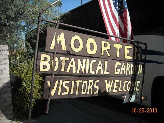 Moorten Botanical Garden: Entrance to the garden