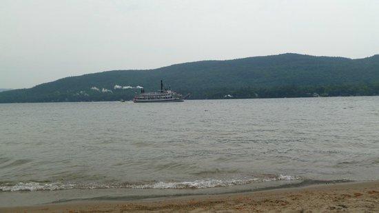 Marine Village Resort : Minnehaha from shore