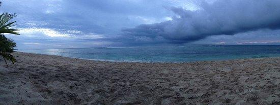 Heilala Holiday Lodge: Cloudy, but warm. Ha'atafu Beach