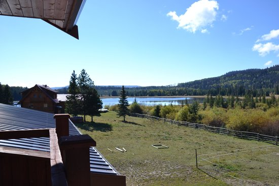 Free Rein Guest Ranch: The view from the family suite in the lodge