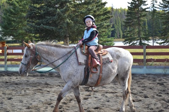 Free Rein Guest Ranch : My 6 year old daughter, happy on the horse on her own