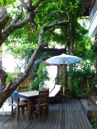 Amata Lanna Chiang Mai: Entrance to the Hotel Walled Garden and Courtyard
