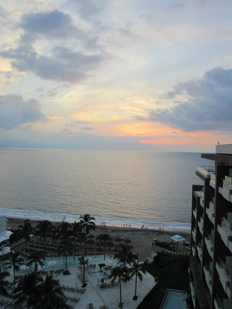 Now Amber Puerto Vallarta: Breathtaking sunset views from our room