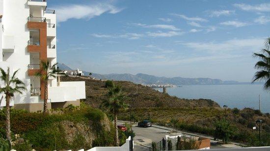 Apartamentos Fuerte Calaceite: Next block & view from entrance