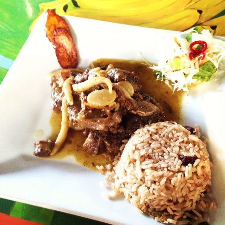 Miss T's : Ox tail, rice and beans, and plantain