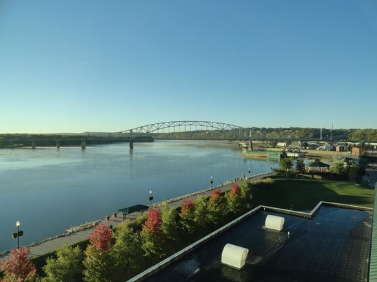 Grand Harbor Resort and Waterpark: excellent view of the mighty Mississippi