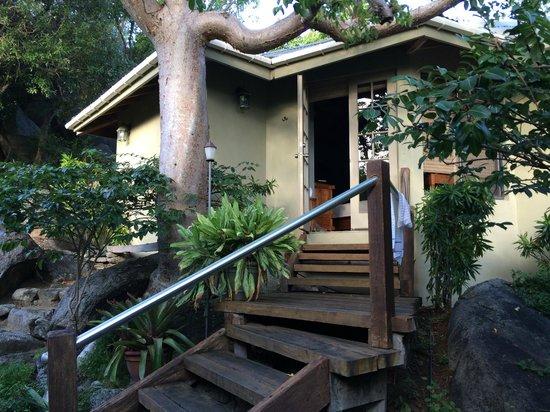 Surfsong Villa Resort: Treehouse villa