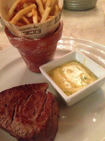 Mexsi Bocu: Filete de res con salsa bearnaise al chile serrano