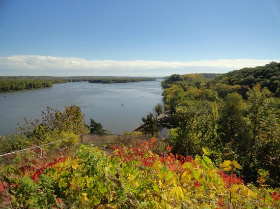 Julien Dubuque Monument : View of the river as seen from Dubuque's gravesite