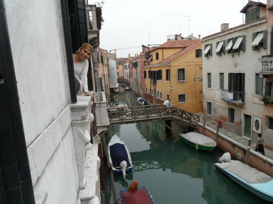 Hotel Palazzo Abadessa: View from room