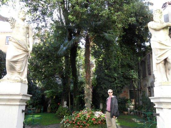 Hotel Palazzo Abadessa: Gardens