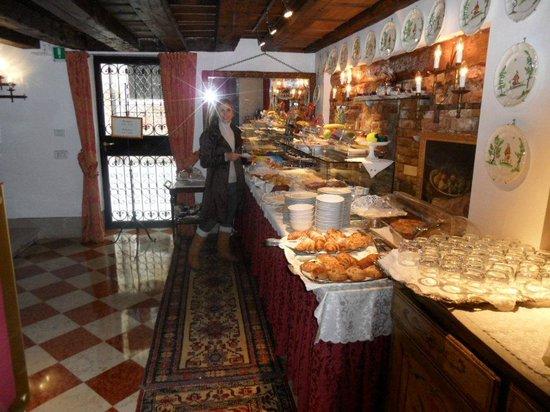 Hotel Palazzo Abadessa: Breakfast