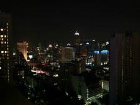 Fraser Suites Sukhumvit: Night view from room