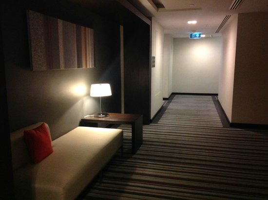 Fraser Suites Sukhumvit: Hotel Corridor