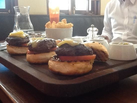 Union Bar and Grill: sliders ,