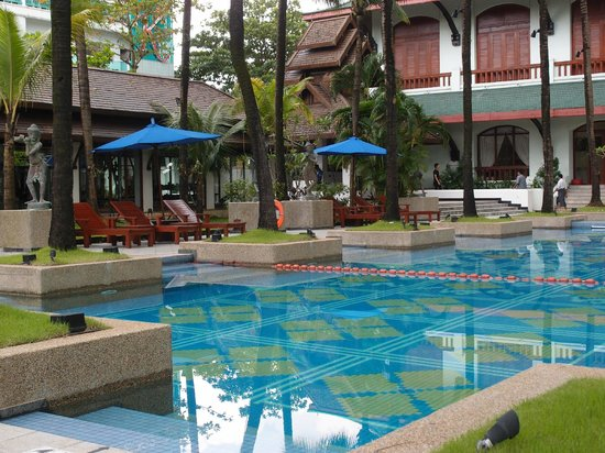 Chatrium Hotel Royal Lake Yangon : Swimming Pool