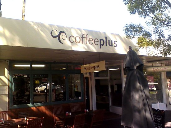 Coffee Plus cafe: View from street